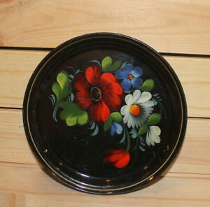 Vintage-Russian-hand-painted-floral-metal-tole-plate-dish