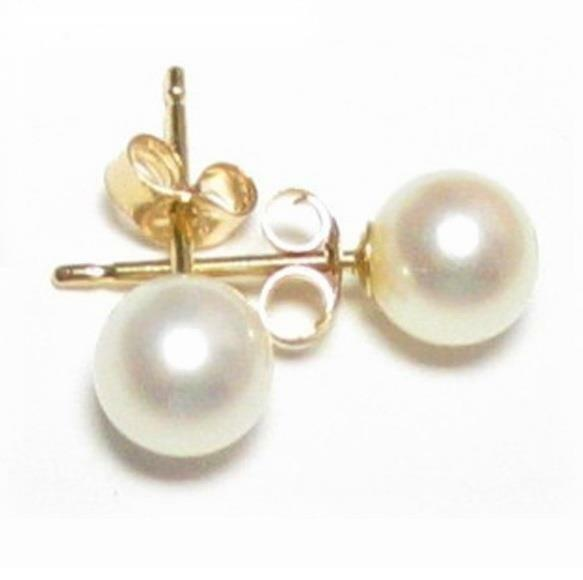 5.5-6mm Japanese Akoya White Pearl Earring Studs in 18K Yellow Gold