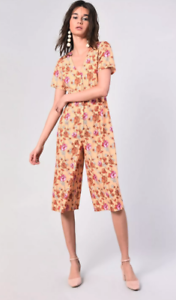 BNWT WOMENS FLORAL GLAMOROUS PLAYSUIT SIZE 10
