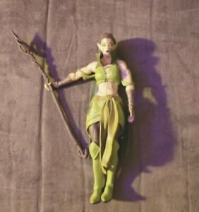 Magic Gathering Lecacy Collection Nissa Revane Loose Action Figure
