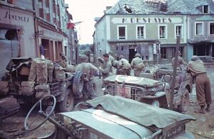 WWII-Photo-US-Soldiers-and-Press-in-France-WW2-World-War-Two-Normandy-1012