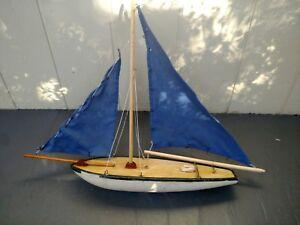 Details about VINTAGE WOOD WOODEN CLOTH SAILS HANDCRAFTED FOLK ART POND  SAILBOAT BOAT SHIP