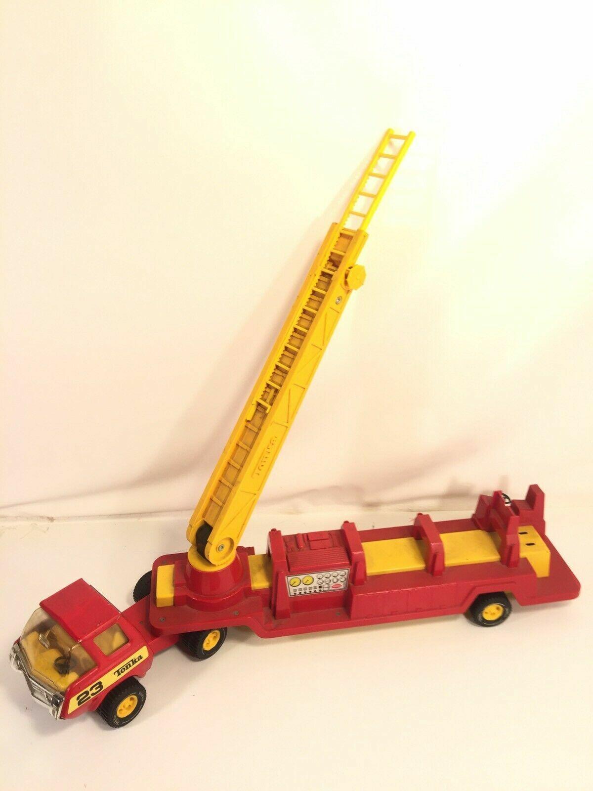 Tonka Fire Engine Ladder Truck Jahr rot Gelb Pressed Steel Made In USA