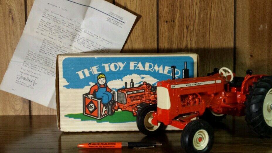 Ertl Allis Chalmers D19 1 16 diecast farm tractor NIB