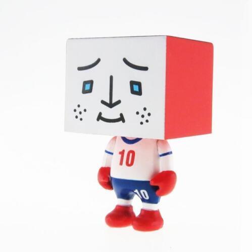 "ENGLAND TO-FU WORLD CUP FOOTBALL 2/"" DESIGNER VINYL FIGURE TOFU SOCCER"