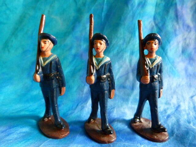 QUIRALU. Lot 3 de3 figurines de marins au défilé en aluminium - ref Q40