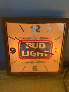 Vintage-Working-Square-Budweiser-Bud-Light-Bar-Wall-Clock-13-5-034-x-13-5-034-Man-Cave