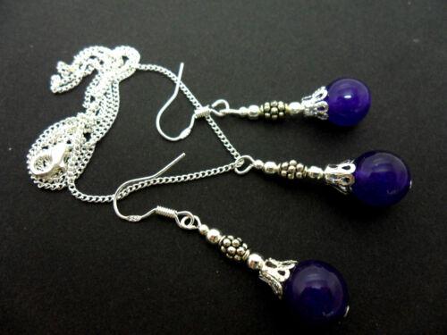 Un Jade morado perla collar y pendiente conjunto con 925 ganchos de plata.
