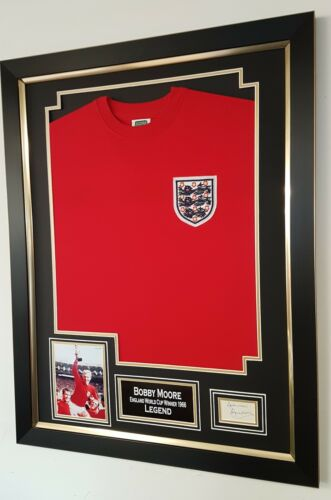 BOBBY MOORE England 1966 SIGNED CARD and Shirt Autograph Display