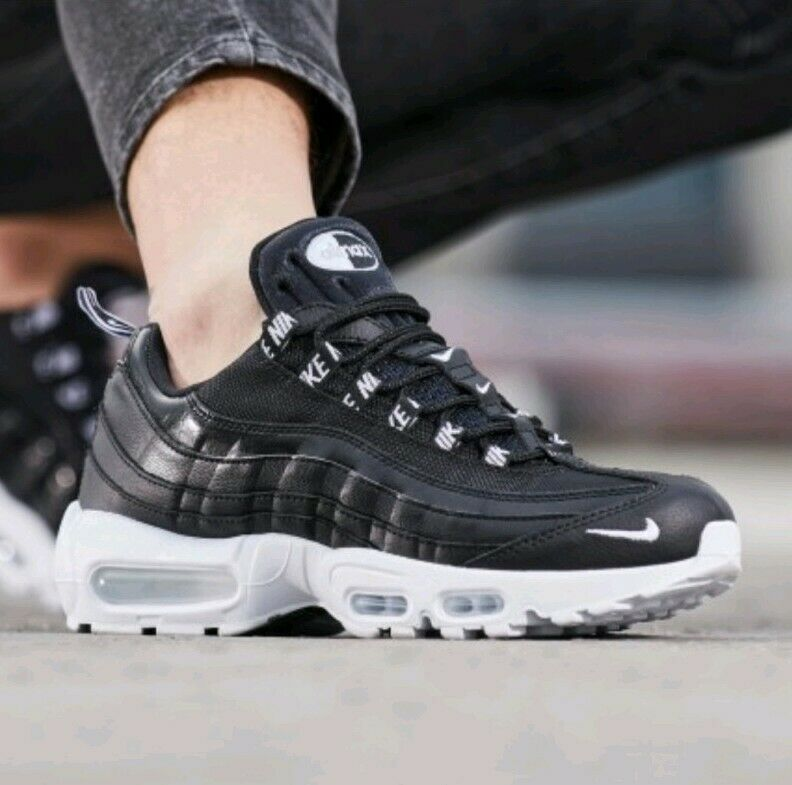 SIZE 8 MEN'S Nike Air Max 95 Black White Black OverBranded Running 538416-020