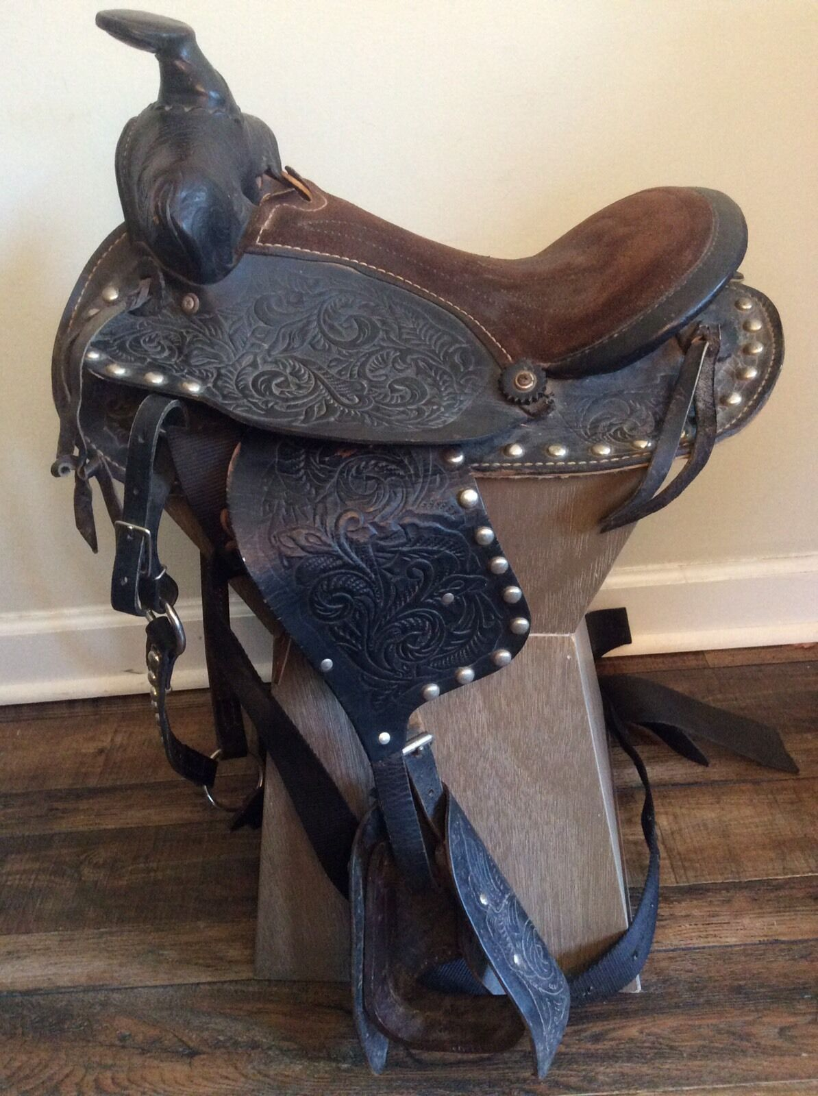 12.5 Inch Western Barrel Racing Horse Saddle