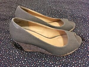 Cloudwalkers-Women-s-Heels-Sz-7W-Olive-Green-Open-Toe-Peep-Mules