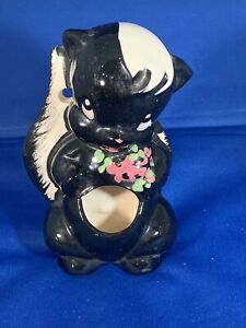 Vintage-034-DE-STINKER-034-Ceramic-Skunk-Matchstick-Holder-By-DeLee-Art-California