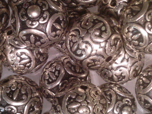 Vtg 30 SILVER METALIZED PLASTIC FLORAL ROUND SPACER BEAD 13mm 061519d