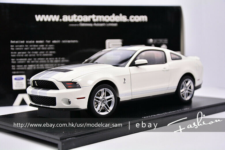 AUTOart  1 18 ford SHELBY GT500 2010 White