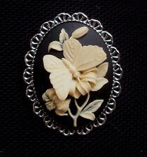 Mariposa Broche Camafeo Crema sobre Negro Plata configuración de tono de 45 mm