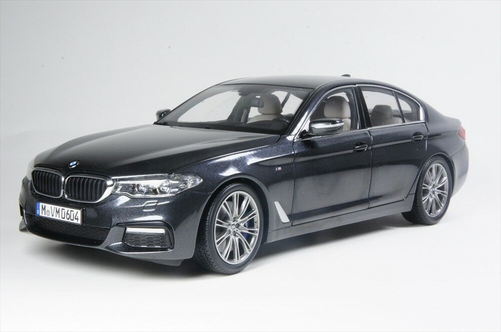 BMW G30 5 Series Scale Model Diecast 1 18 grigio 80432413789
