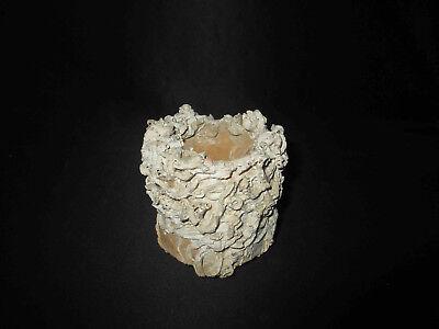 ancien petit pot émaillé blanc trouvaille sous marine XVII ème ou XVIII ème