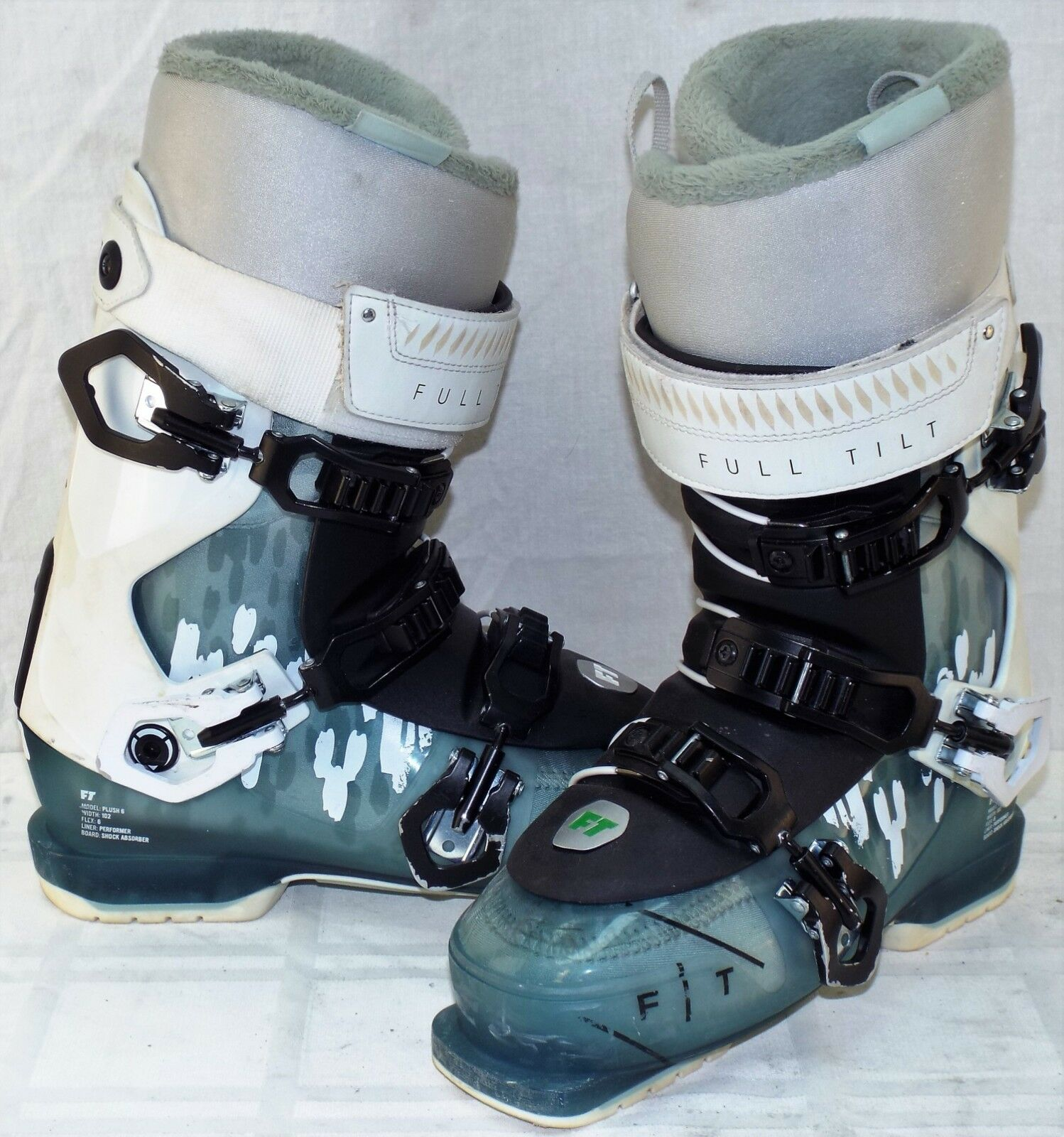 Full Tilt Plush 6 Used Women's Ski Boots Size 25.5