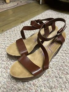 Blowfish Malibu Women's HAPUKU Brown Ankle Strap Wedge Sandals Shoes Size 8