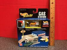 1995 Hot Wheels Sto and Go Gas Station With Super Van 25 Years