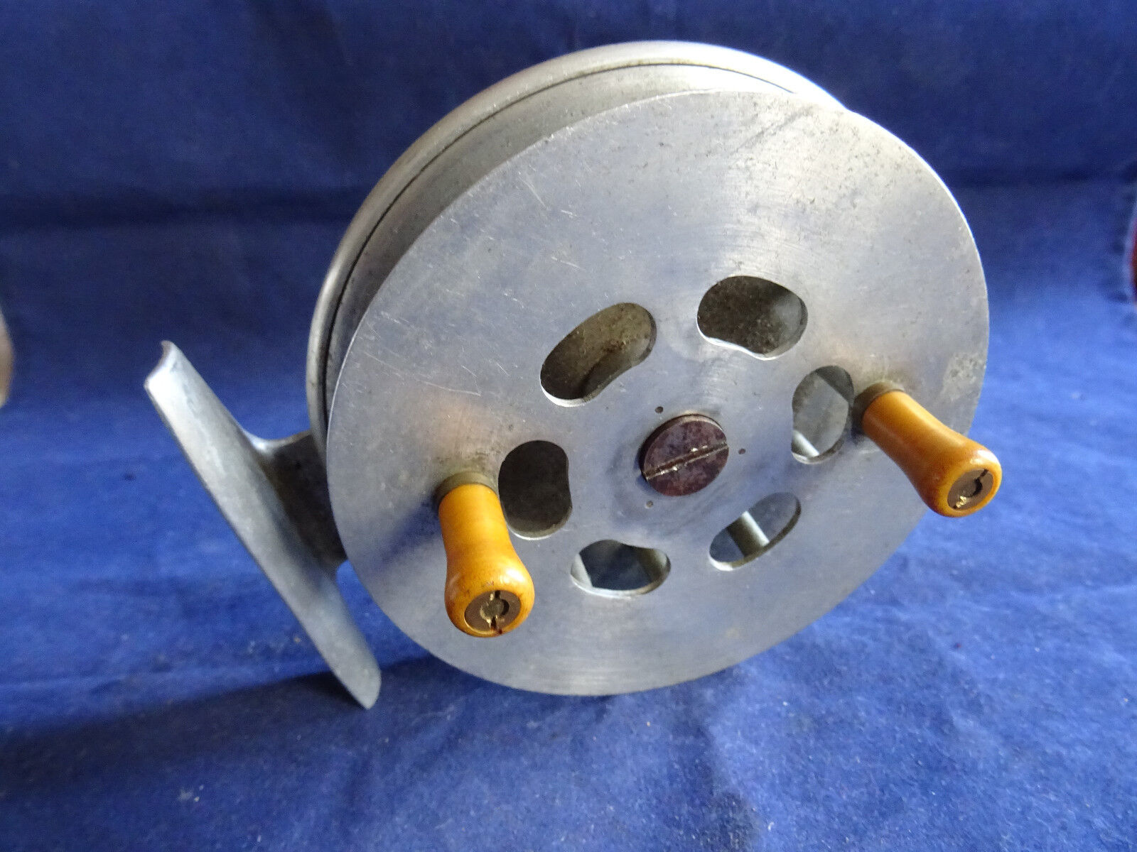 A NICE  VINTAGE  3 3 4  ALLOY SHEFFIELD PATTERN CENTREPIN REEL  discount sales