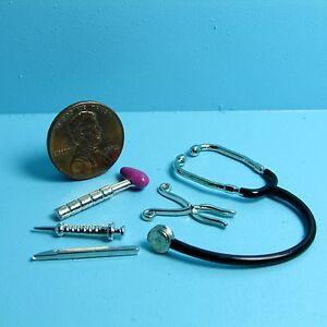 Dollhouse-Miniature-Doctor-Medical-Tool-Set-Stethoscope-Shot-Working-Syringe
