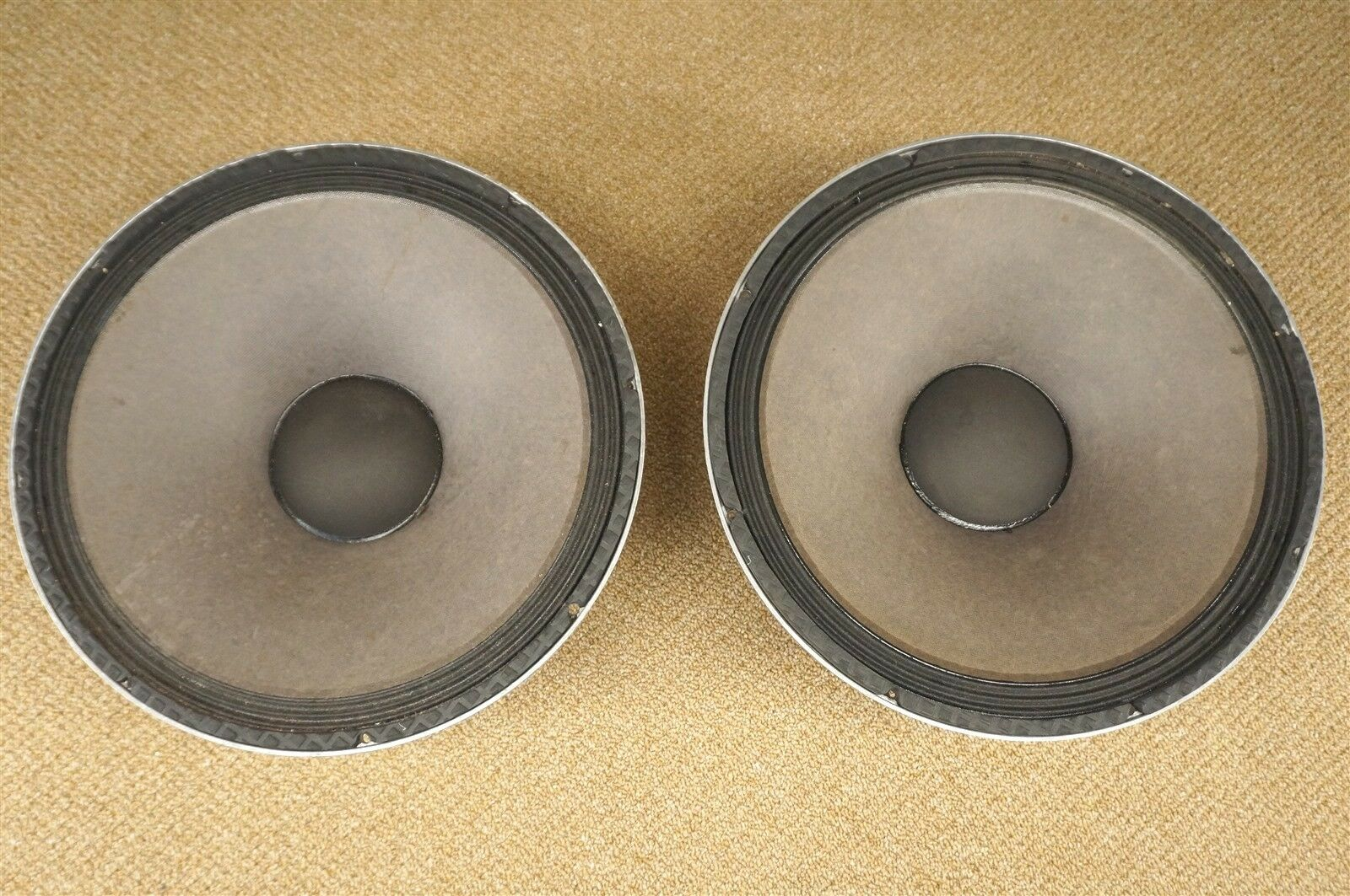JBL 2032H PA 15  Speaker 500w 8 Ohm Bass Sub Woofer Pair 15 2032