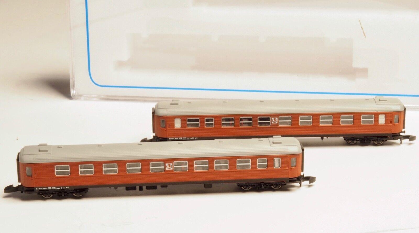 FR Z-scale SJ litt litt litt B  passenger cars two each 2nd class Swedish RR Freudenreich 82992a