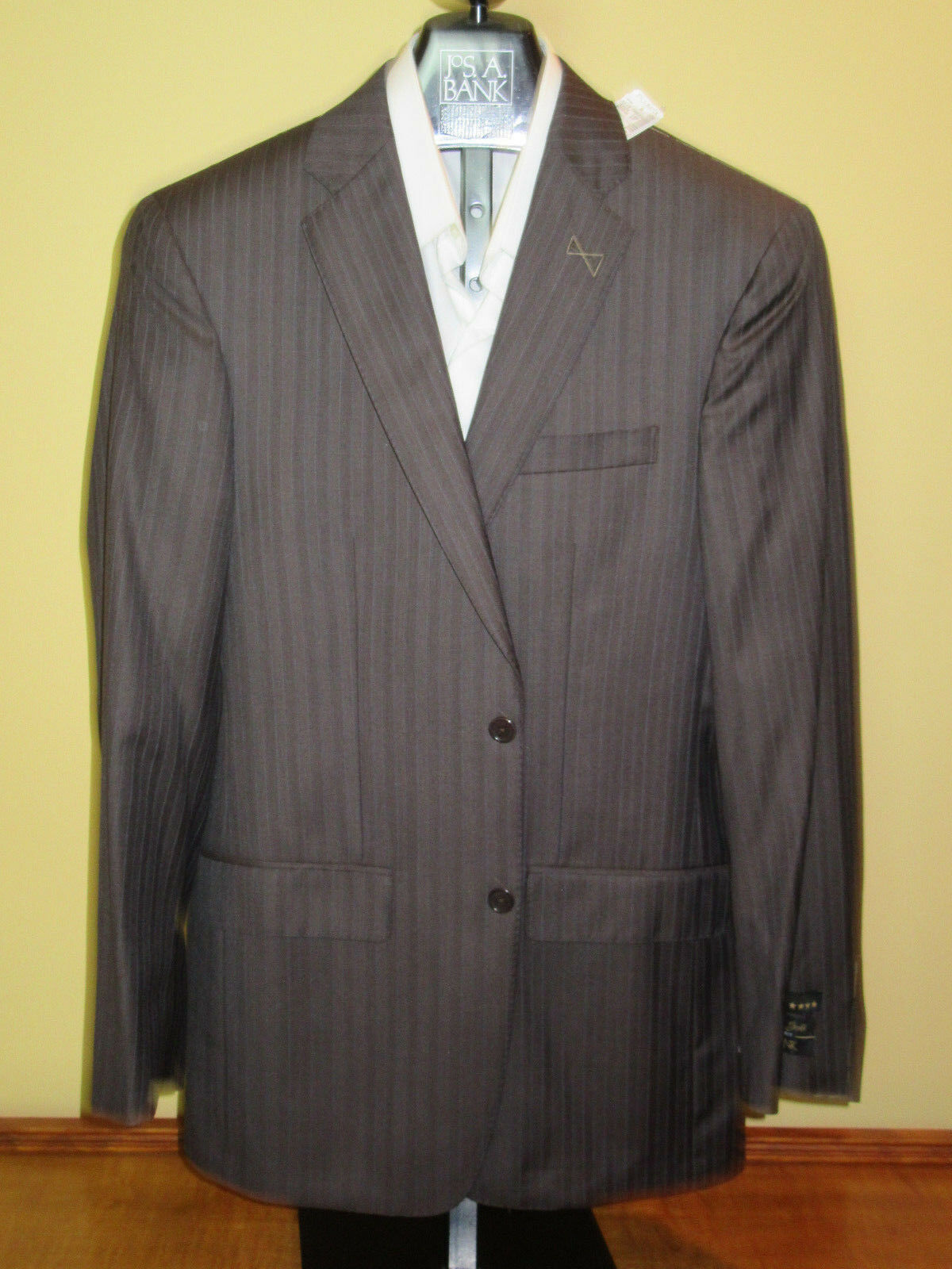 New Jos A Bank Signature gold brown stripe suit 40 L 34 W tailored fit