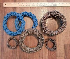"""Group of 12 Natural Dried 2/"""" Mini Grapevine Wreaths"""