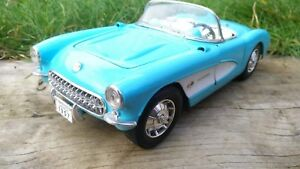 Burago-1-18-Chevrolet-Corvette-1957-baby-Blue-American-Sports-Car-Model-Toy