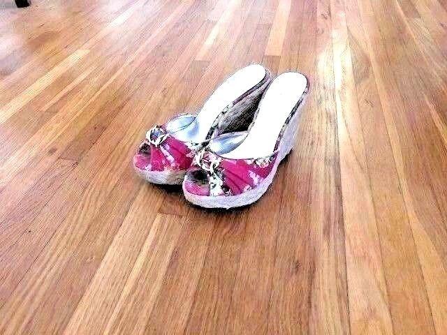 Jessica Simpson wedges, pink Hawaiian floral design, size 6.5, 4 heel, open toe