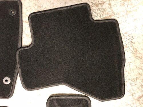 "Genuine New Peugeot 107 Carpet Floor Mats Front and Rear x 4 9663K5 /""107 /"" Logo"