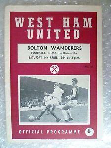 1964 WEST HAM UNITED v BOLTON WANDERERS 4th April League Division One - London, United Kingdom - 1964 WEST HAM UNITED v BOLTON WANDERERS 4th April League Division One - London, United Kingdom