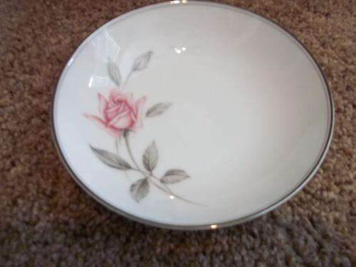 1 Noritake Rosemarie Dessert Bowl White w//Pink Rose Gray Leaves Silver