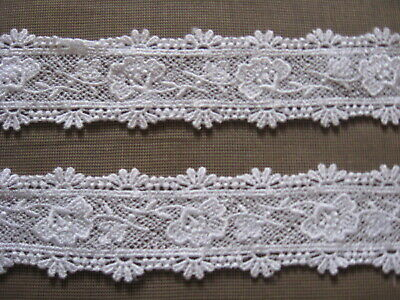 9 1//2 Yds Lovely Scalloped White Floral Cotton Venise Lace
