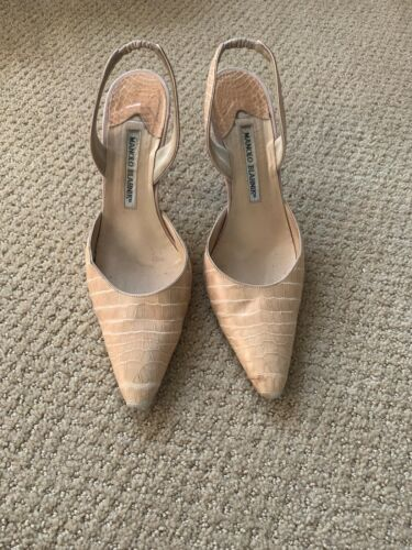 MANOLO BLAHNIK  PALE PINK ROSE CROCODILE SHOES 38.