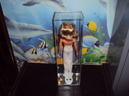 MEGO DOLLS TALL LOOSE ACRYLIC CASES THIS SALE IS FOR ACRYLIC CASES ONLY NO TOYS