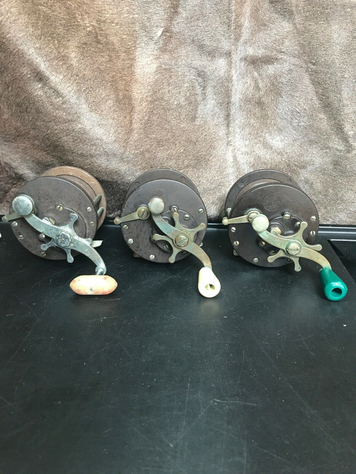 3) Vintage Penn  85 Cocheretes convencionales  de pesca de agua salada. todos funcionan muy bien   barato y de alta calidad