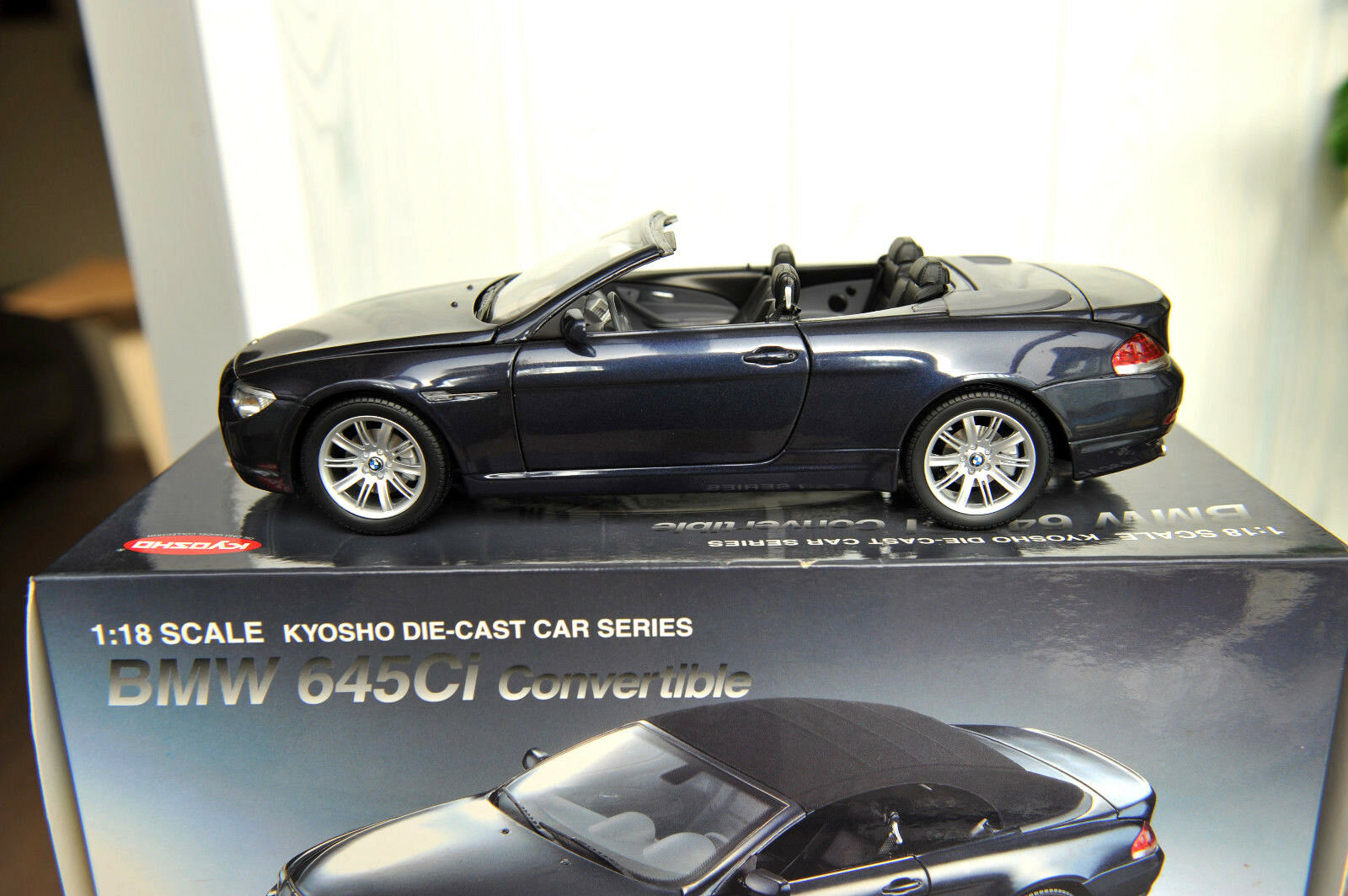 BMW 645 CI CONverdeIBLE NAVY azul KYOSHO 1 18 ETAT NEUF