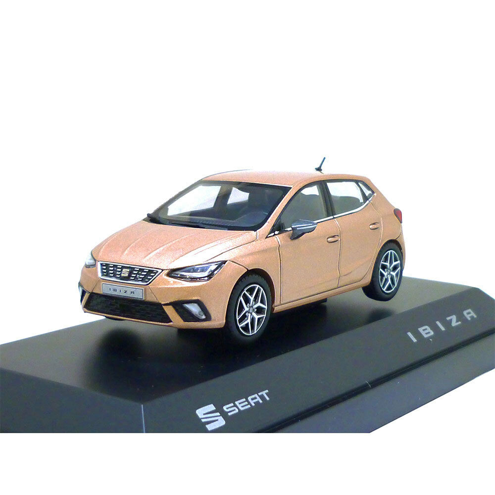 Seat Ibiza 1 43 Mystic Magenta 6h1099300 Hak Maquette de voiture miniature