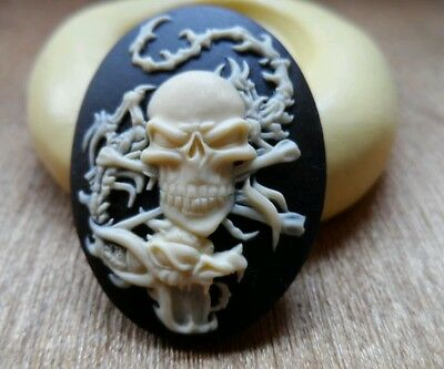 SKULL AND DRAGÓN cameo silicone push mold mould  resin sugar craft