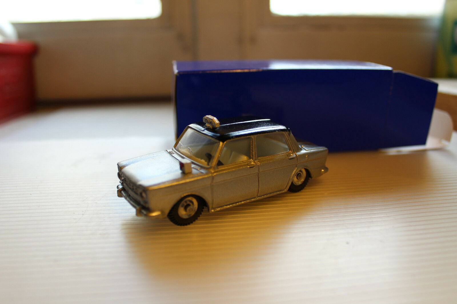 SIMCA 1000 TAXI TAXI CLUB DINKY FRANCE 2016 NON COMMERCIALISE