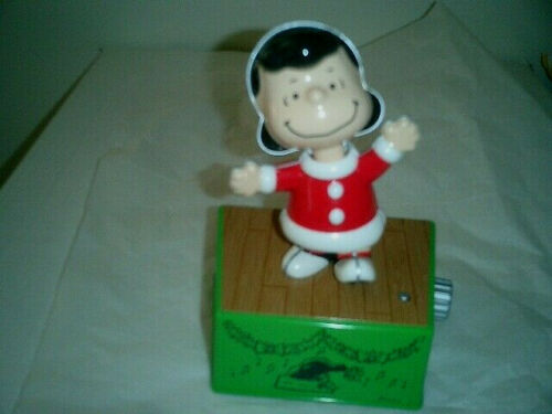 2017 Hallmark Peanuts Christmas Dance Party Lucy Wireless Music /& Motion