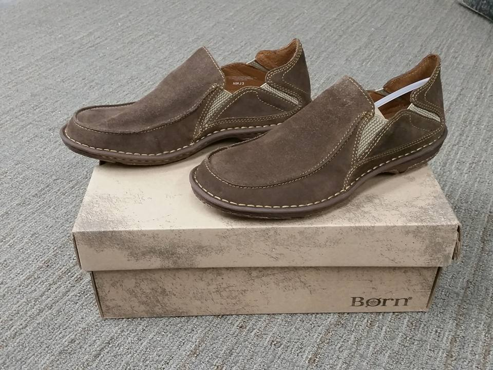 NIB Born Men's H17117 Carsten Shoe Taupe Suede Slip On Casual Shoe Carsten Size 11 7b34a7