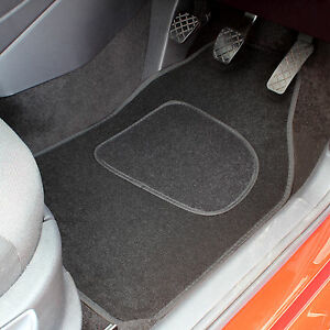 BLACK-UNIVERSAL-FIT-FRONT-AND-REAR-CAR-MATS-REPLACEMENT-4-PCE-CAR-FLOOR-MAT-SET