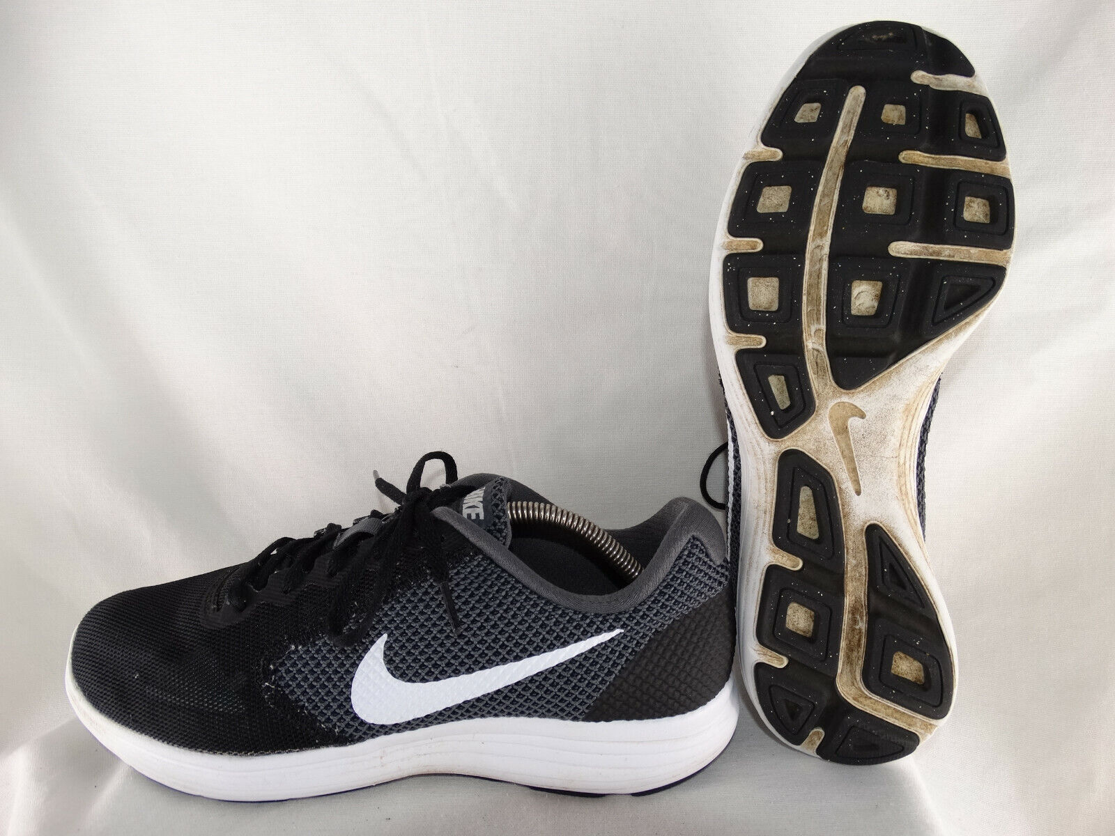 Nike Revolution 3 Laufschuhe 819300-001 schwarz-weiß EU 43 US 9,5