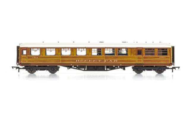 """Hornby R4829 OO Gauge LNER 61'6"""" Gresley Buffet Coach 21611"""
