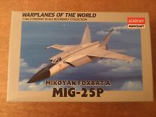 1:144 Academy / Minicraft no. 4428 Mikoyan Foxbat A Mig 25P. Kit di costruzione